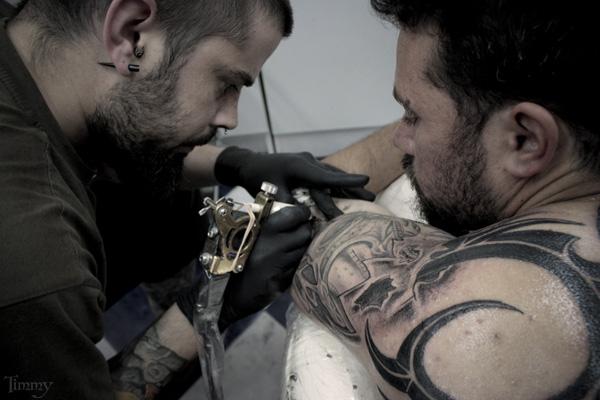 cisse tatouage ailes d ange dans le dos tatouages sur le torse - Sunn ...