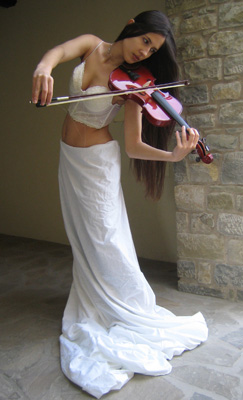 http://la-rose-noir.chez-alice.fr/BlogRoseNoire/The_spirit_of_lakes_violin71_by_AlicelefayStock.jpg